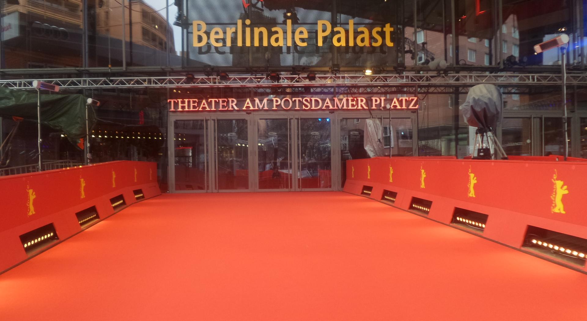Sympathisch Teppich Berlin Referenz Von Berlinale Roter D Marlene-dietrich-platz 2016-02-12 Qf Copyright