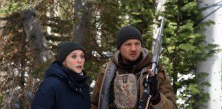 Jeremy Renner und Elizabeth Olsen.