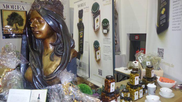 IGW 2018: Produkte aus griechischer Herstellung: Kapern, Oliven und Olivenöl