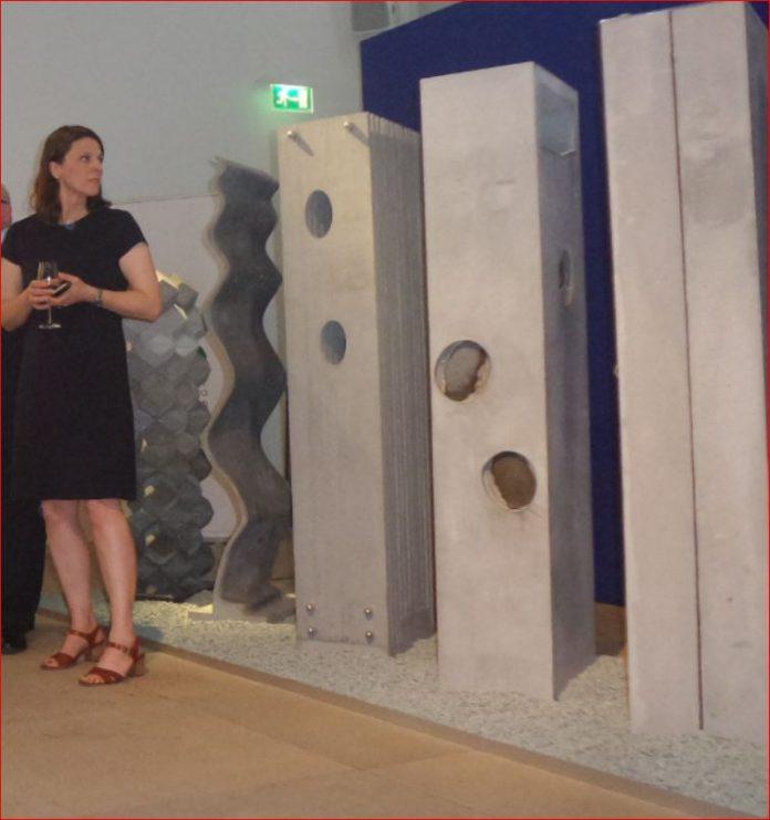 Evolution of Concrete, Beton der Firma Cemex in einer Ausstellung in der mexikanischen Botschaft Berlin Frühjahr 2018