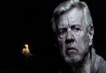 """Morton Grunwald in """"He, Joe"""" nach Samuel Beckett in der Berliner Volksbühne."""