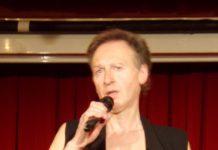 Rainer Anton Niedermeier im April 2018 im Roten Salon der Volksbühne in Berlin-Mitte