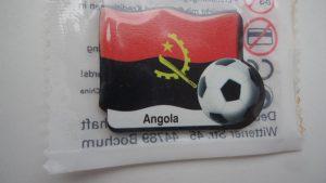 Kühlschrankmagnet Angola, Sammelzugabe einer Tankstelle aus dem Jahr 2006 (WM). Afrikanisches Land
