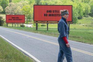 "Szene aus dem Film ""Three Billboards Outside Ebbing, Missouri""."