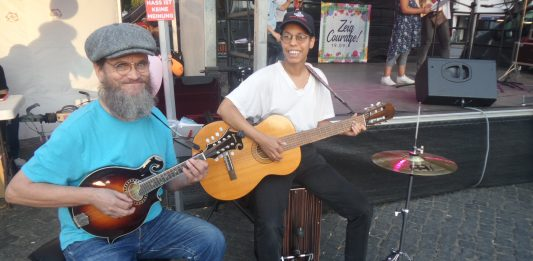 Musiker auf dem Zeig-Courage-Fest