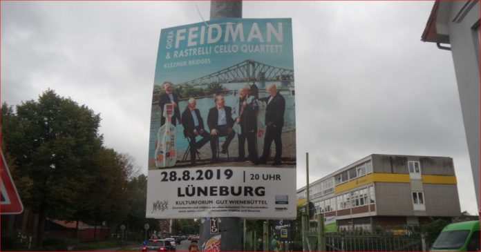 Plakat des Giora Feidman & Rastrelli Cello Quartetts in Lüneburg im August 2019.