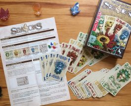 """Zwei Spieler ab acht Jahre, 48 Karten und vier Jahreszeiten – Zum Spiel """"4 Seasons"""" von Pegasus-Spiele"""