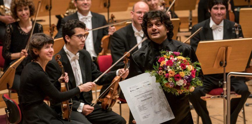 Hossein Pishkar aus dem Iran gewinnt Deutschen Dirigentenpreis 2017