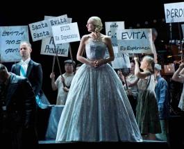 """Facetten einer Aufsteigerin – """"Evita"""" in der Oper Bonn"""
