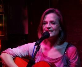 """Hören Sie Gerhild Herrmann, solange es sie noch gibt – Die Sängerin zu Gast bei einer Veranstaltung zum Thema """"Schonende Kritik"""""""