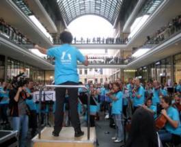 """""""Ihr spielt die Musik!"""" – Spontanorchester mit 480 Musikern in Berlin"""