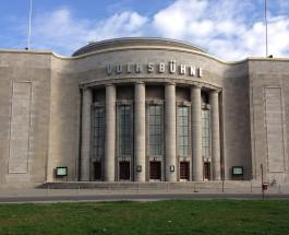Der Castorf-Behälter strahlt nicht mehr – Die-Volksbühne-am-Rosa-Luxemburg-Platz-Geschichte